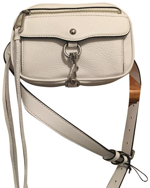 Item - Fanny Pack Retail Comes with A Free Gift. White Leather Wristlet
