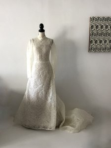 Vera Wang Ivory Lace Luxe High Neck Long Sleeve Strapless Bride Traditional Wedding Dress Size 6 (S)