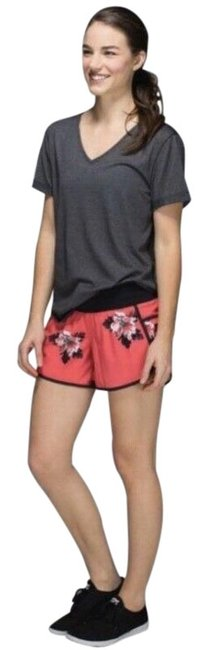 Item - Red/Black Rare Atomic Floral Tracker Ii *4-way Stretch Activewear Bottoms Size 4 (S)