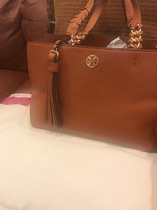 Tory Burch Tote in saddle brown