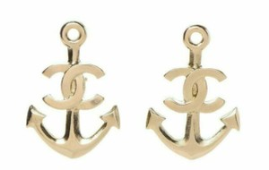 Chanel NWT Authentic Golden Chanel CC Anchor Small Stud Piercing Earrings