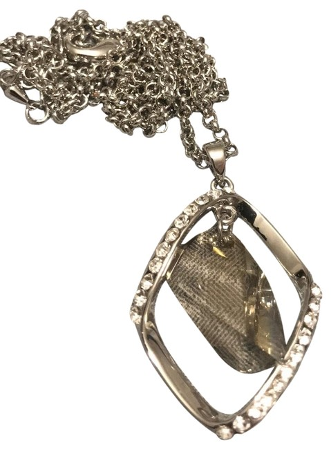 Item - Silver Crystal Necklace