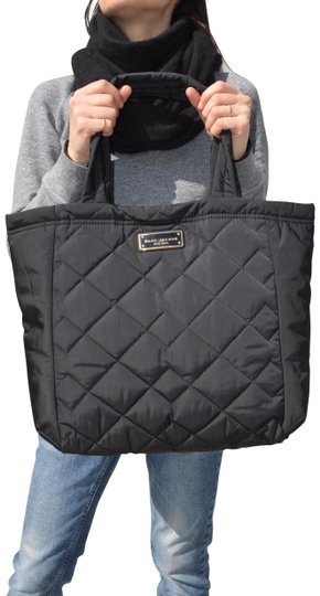 Preload https://img-static.tradesy.com/item/27070607/marc-jacobs-gold-quilted-black-nylon-tote-0-2-540-540.jpg
