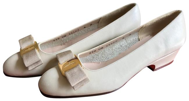 Item - Cream/Nude Ballerina Pumps Size US 4 Regular (M, B)