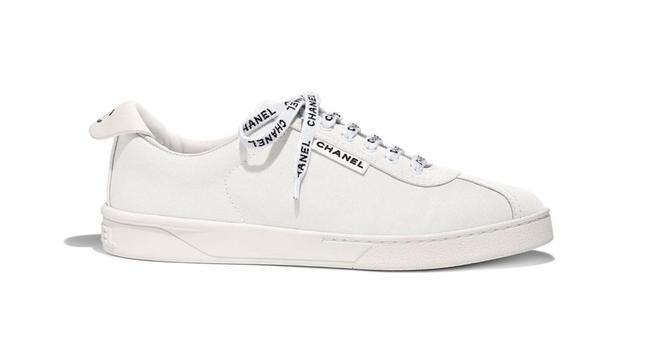 Item - Ivory 19c Weekend White Canvas Cc Logo Lace Flat Runner Trainer Sneakers Size EU 35 (Approx. US 5) Regular (M, B)