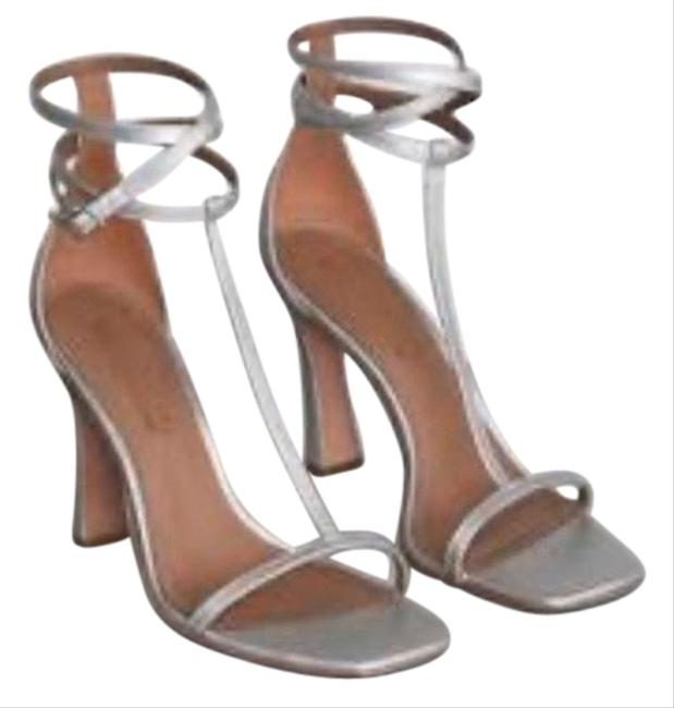 Item - Silver Ina T-strap Dull Heels/6/Nwt Formal Shoes Size US 6 Regular (M, B)