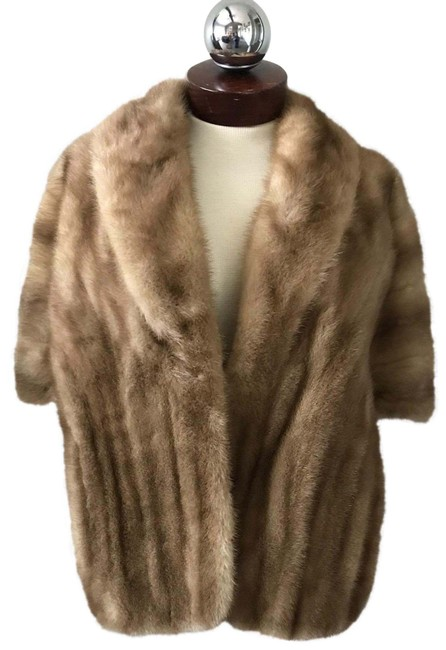 Item - Brown Genuine Mink Fur Stole Poncho/Cape Size OS (one size)
