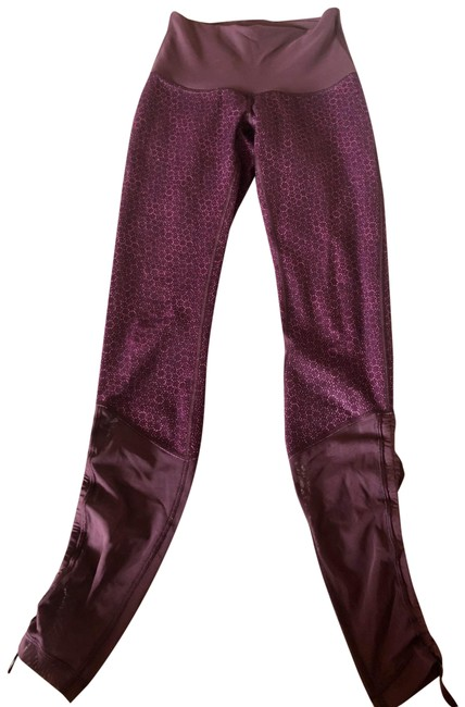 Item - Maroon with Bright Pink Dots Luon (?) Activewear Bottoms Size 6 (S)