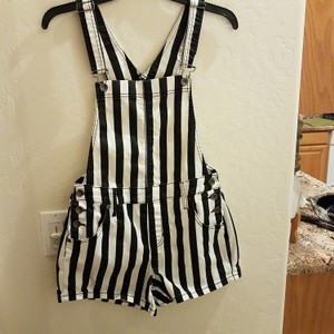Blackheart Shortalls Shorts Black and white striped