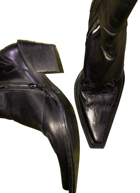 Black Boots/Booties Size EU 39 (Approx. US 9) Narrow (Aa, N) Black Boots/Booties Size EU 39 (Approx. US 9) Narrow (Aa, N) Image 1