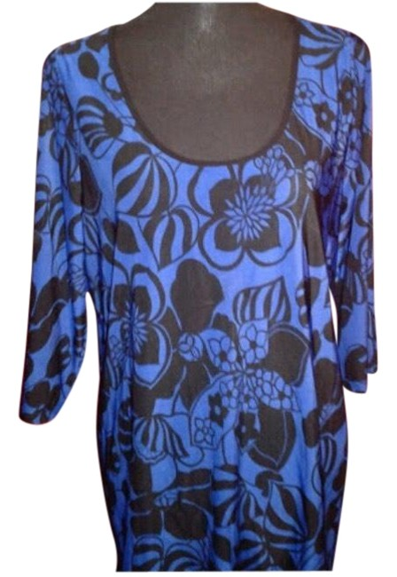 Preload https://img-static.tradesy.com/item/27086447/royal-blue-and-black-floral-print-blouse-size-6-s-0-1-650-650.jpg