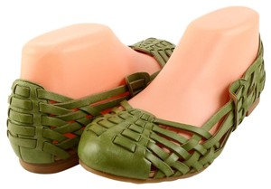 Boutique 9 Comfortable Leather Woven Medium Green Flats