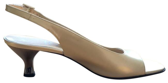 Item - Beige/Pearl Pumps Size US 9 Regular (M, B)