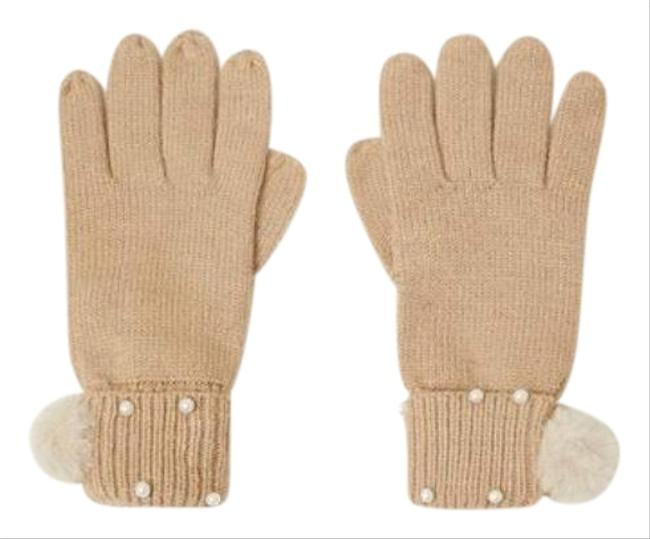 Item - Tan Ribbed Gloves with Pearls Pompom Scarf/Wrap