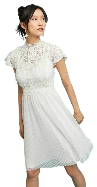 Item - Ivory Greenwich Lace By Featherbone Mid-length Formal Dress Size 6 (S)