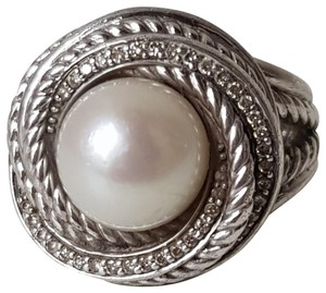 David Yurman David Yurman Pearl Diamond Crossover Ring