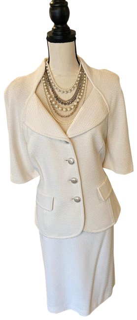 Item - Cream Skirt Suit Size 10 (M)