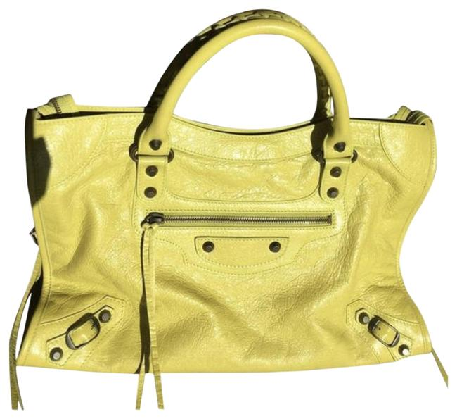 Item - Classic City Yellow Lambskin Leather Shoulder Bag