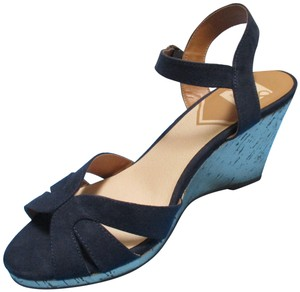 DV8 by Dolce Vita Fabric Gold Cork Sandals Open Toe Navy Wedges