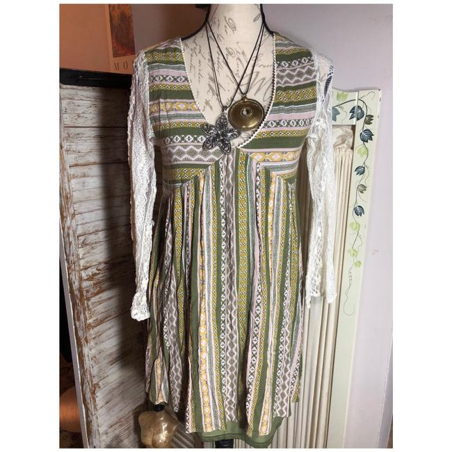 Item - Green/Cream/Yellow/White Nwot-small-andrÉe Green/Cream/Yellow Vertical-horizontal Print Long Lace Belled Sleeve Mid-length Short Casual Dress Size 6 (S)
