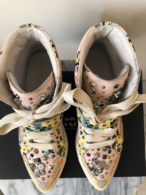 Coach Pale Pink Printed Studded High Top Sneakers Size US 8 Regular (M, B) Coach Pale Pink Printed Studded High Top Sneakers Size US 8 Regular (M, B) Image 3