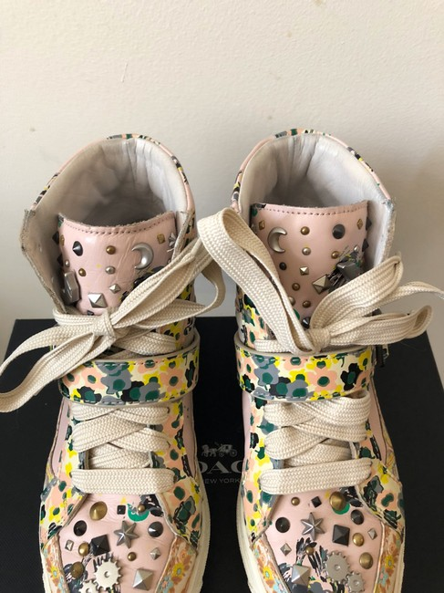Coach Pale Pink Printed Studded High Top Sneakers Size US 8 Regular (M, B) Coach Pale Pink Printed Studded High Top Sneakers Size US 8 Regular (M, B) Image 4
