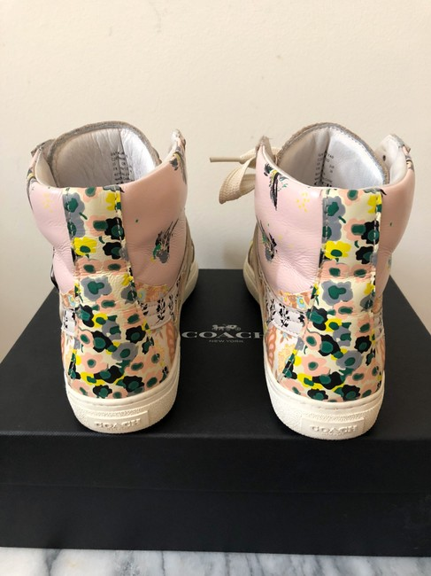 Coach Pale Pink Printed Studded High Top Sneakers Size US 8 Regular (M, B) Coach Pale Pink Printed Studded High Top Sneakers Size US 8 Regular (M, B) Image 6