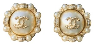 Chanel CHANEL WHITE PEARL ROUND CRYSTAL CC GOLDEN LOGO GOLD STUD EARRINGS