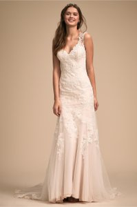 BHLDN Ivory Lure Of Lace Feminine Wedding Dress Size 2 (XS)