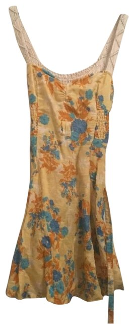 Item - Yellow Floral Mid-length Short Casual Dress Size 4 (S)