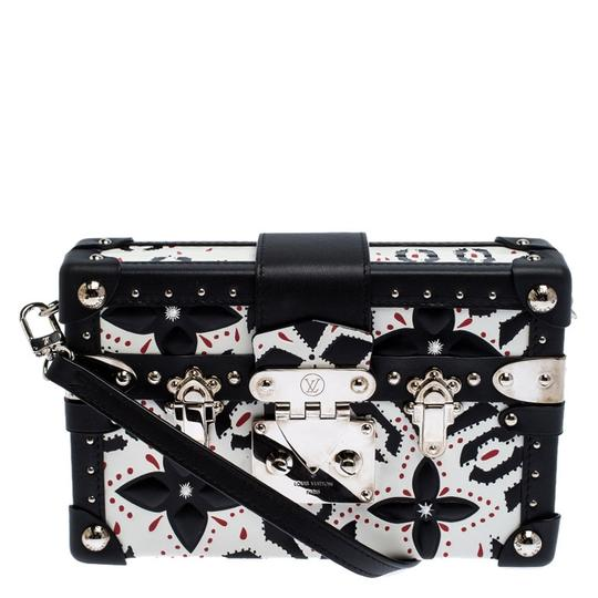Preload https://img-static.tradesy.com/item/27133363/louis-vuitton-petite-malle-blackwhite-graphic-print-leather-black-clutch-0-0-540-540.jpg