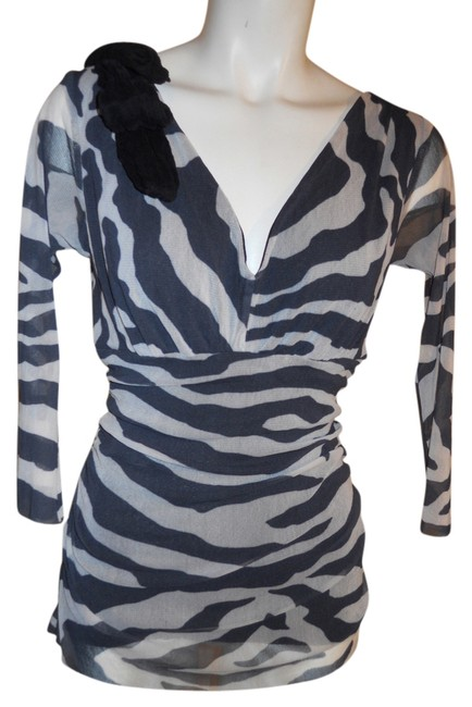 Preload https://item4.tradesy.com/images/weston-wear-black-and-white-night-out-top-size-8-m-2713408-0-0.jpg?width=400&height=650