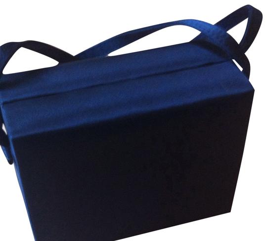 Preload https://item5.tradesy.com/images/la-regale-amazing-little-box-purse-for-holidays-and-any-occasion-black-baguette-271354-0-1.jpg?width=440&height=440