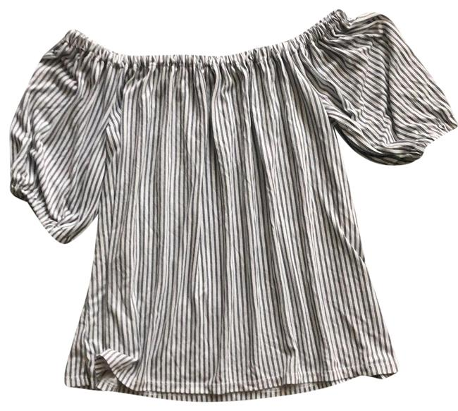 Item - Black and White Striped Off The Shoulder Puff Sleeve Tunic Size 6 (S)