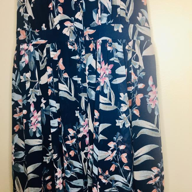gal meets glam Blue Siena Floral Halter Neck Chiffon Long Casual Maxi Dress Size Petite 4 (S) gal meets glam Blue Siena Floral Halter Neck Chiffon Long Casual Maxi Dress Size Petite 4 (S) Image 5