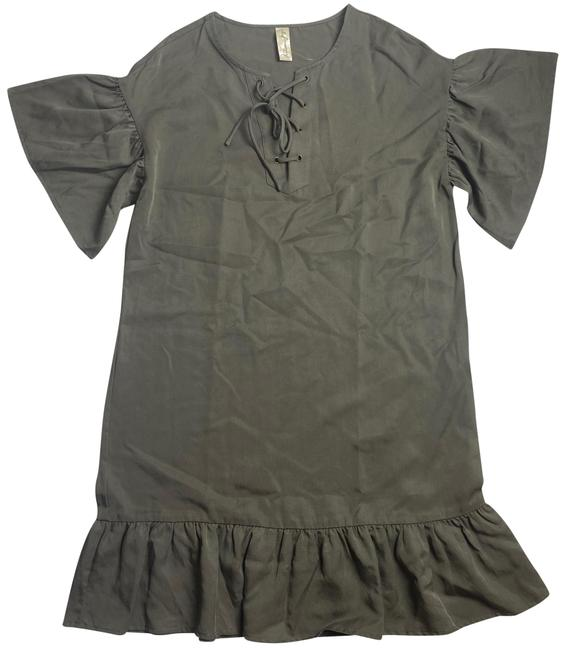 Item - Green Lace Up Ruffle Mid-length Short Casual Dress Size 8 (M)