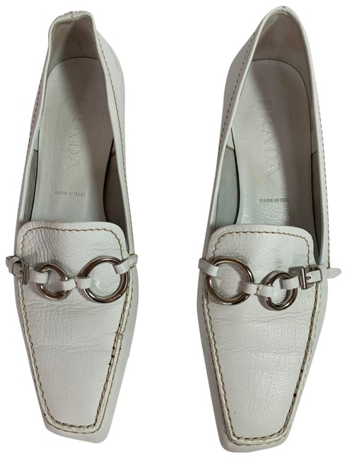Item - White Saffiano Leather Driving Loafers Flats Size US 7.5 Regular (M, B)