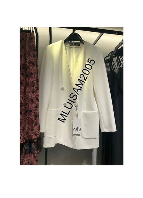 Item - Double-breasted Lapelless Oyster White Blazer Size 2 (XS)
