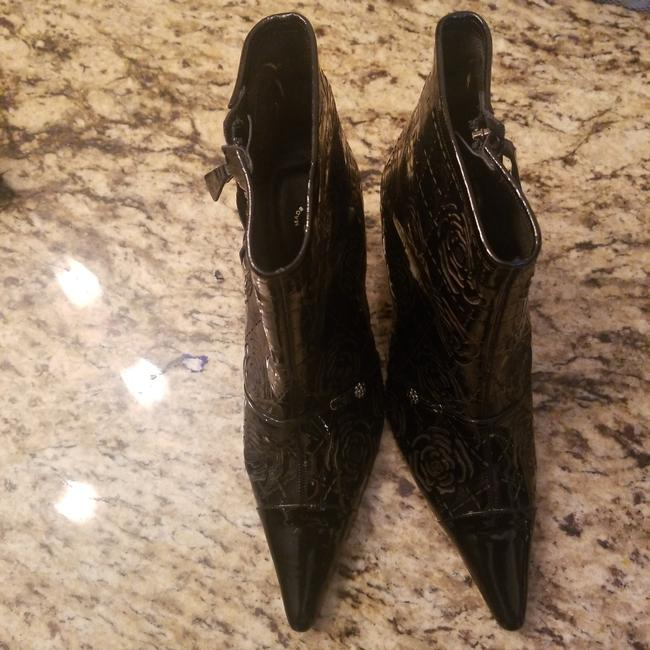 Item - Black Patent Leather Laser Cut Vintage Camelia Flower Boots/Booties Size US 8 Wide (C, D)