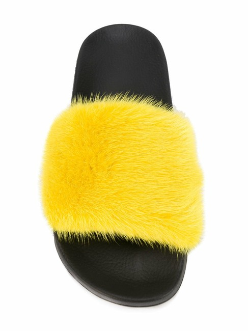 Item - Yellow Paris Jaune Mink Fur Black Mule Slide Pool Flip Flop Flat Sandals Size EU 39 (Approx. US 9) Regular (M, B)