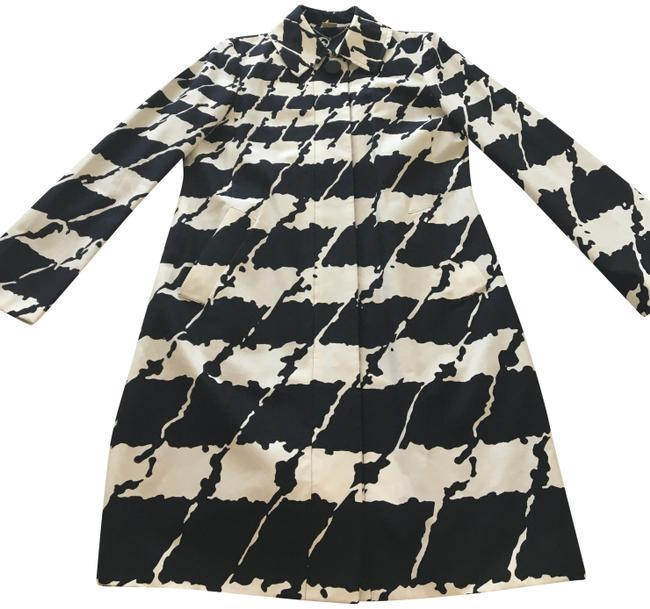 Item - Black & White Coat Size 8 (M)