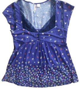 Ric Rac T Shirt Blue with flower pattern and lace