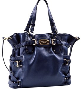Michael by Michael Kors 35t4ggat3l Tote in Navy Blue