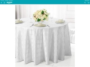 "White Or Ivory 132"" Round and Jaquard Damask Polyester New Tablecloth"