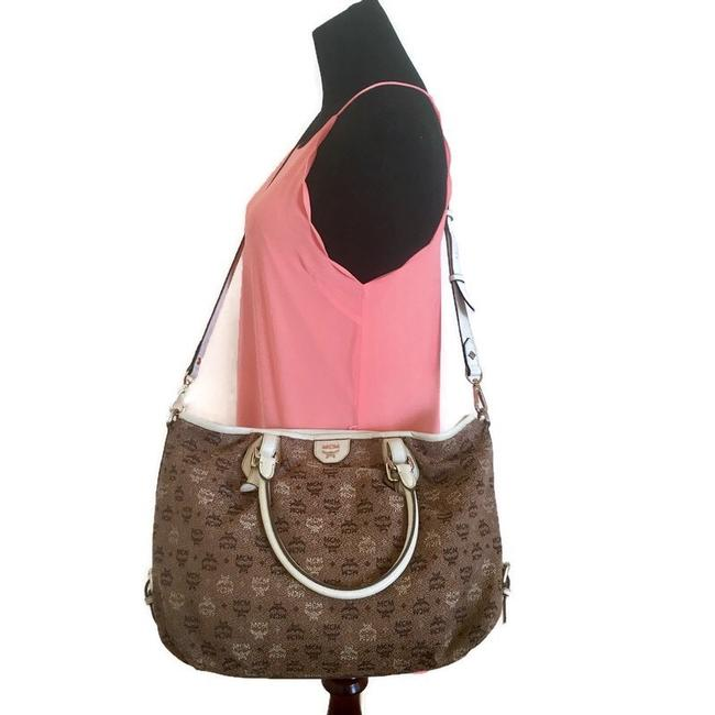 Item - Handbag/Crossbody Brown Canvas Cross Body Bag