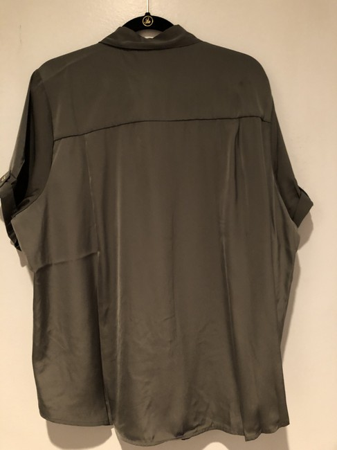 CJ Banks Olive Green Short Sleeve Utility Blouse Rolled Sleeve Button-down Top Size 22 (Plus 2x) CJ Banks Olive Green Short Sleeve Utility Blouse Rolled Sleeve Button-down Top Size 22 (Plus 2x) Image 2