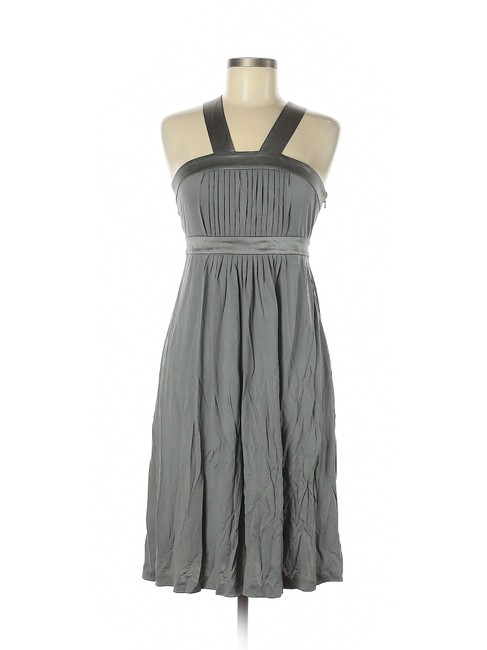 Item - Gray Silver High/Low Silhouette Knee-length Scoop Neckline Short Casual Dress Size 6 (S)