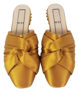 No.21 Gold Mules