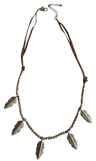 Preload https://item3.tradesy.com/images/american-eagle-outfitters-leaf-necklace-2716417-0-0.jpg?width=440&height=440