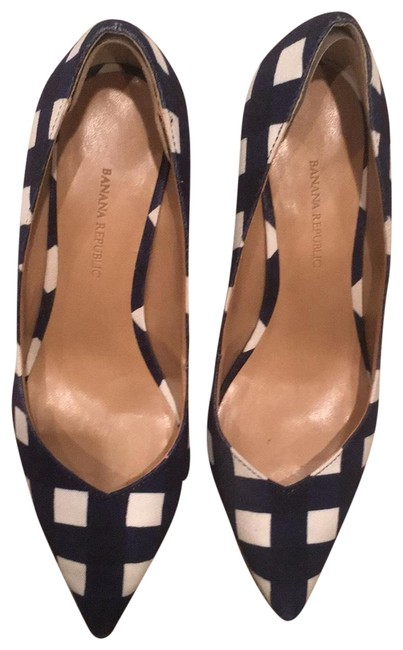 Item - Gigham Blue and White Madison In Pumps Size US 7.5 Regular (M, B)